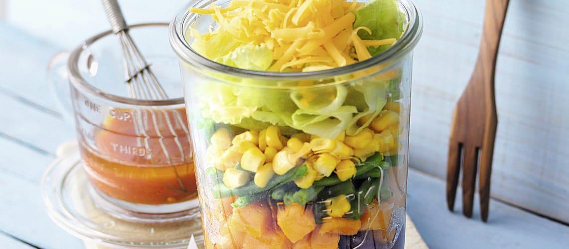 Scharfer Süßkartoffelsalat mit Bohnen