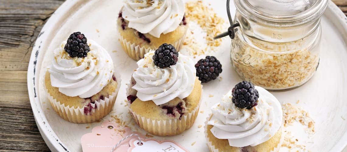 Brombeer-Kokos-Cupcakes