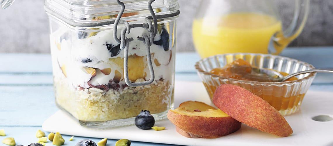 Pfirsich-Blaubeer-Müsli mit Bulgur