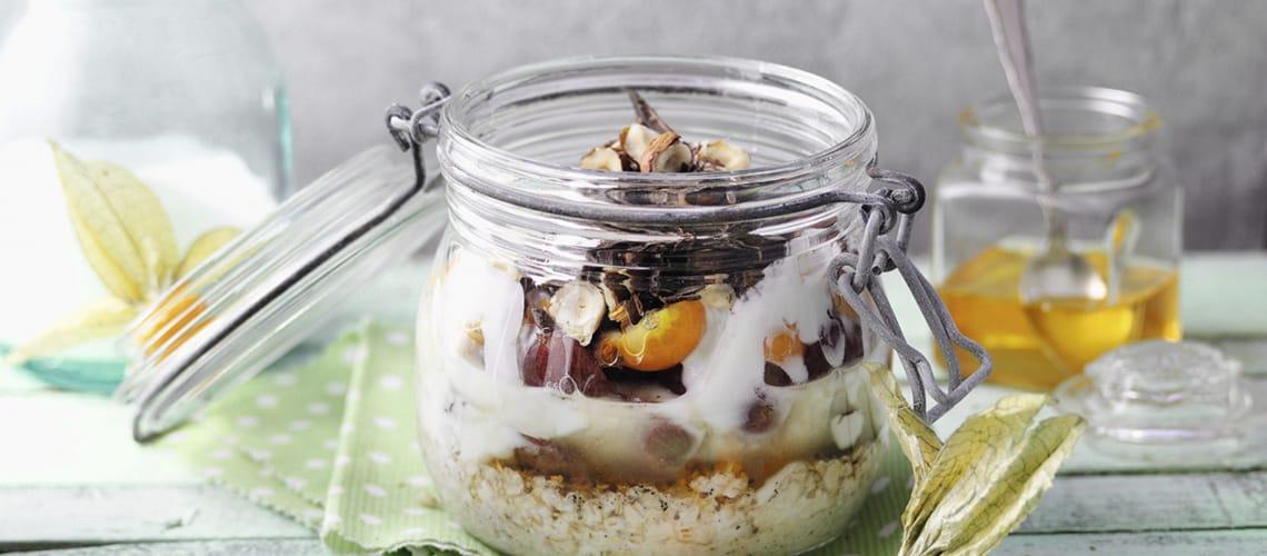 Porridge mit Trauben und Physalis