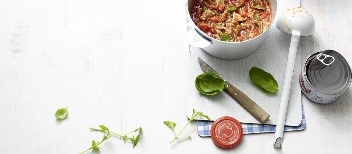 Tomatensuppe mit Thunfisch