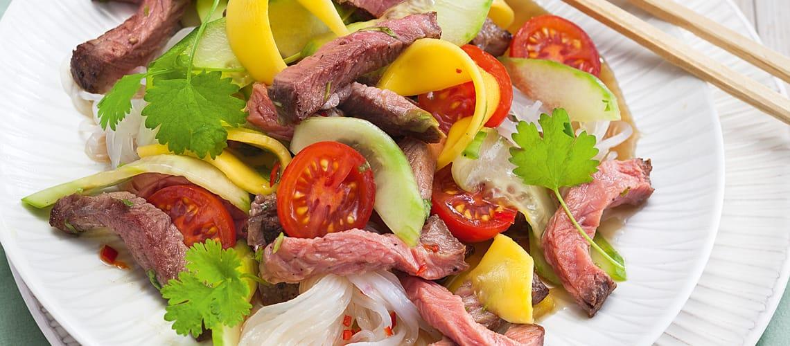 Thailändischer Rindfleischsalat mit Konjak-Nudeln
