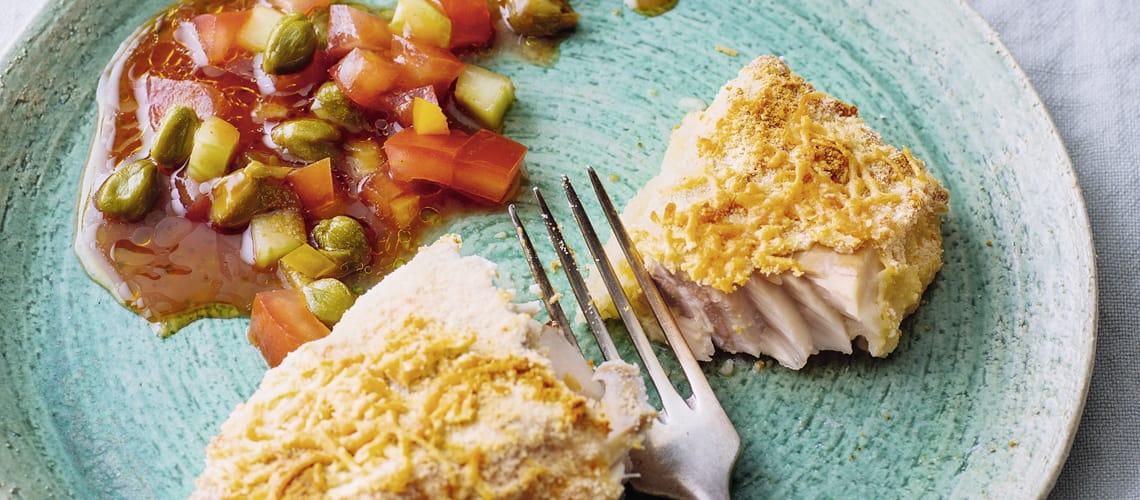 Backfisch mit pikanter Salsa