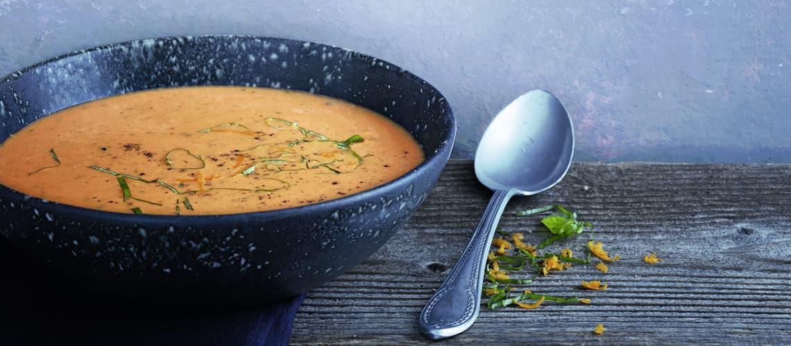 Fruchtige Tomaten- Orangen-Suppe