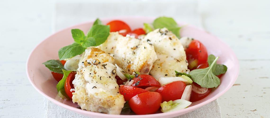 seeteufelfilet mit tomaten-minze-salat