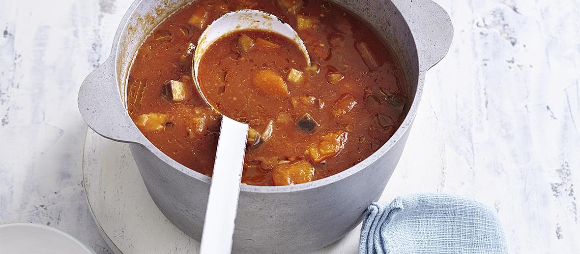 Orientalische Tomaten-Auberginen-Suppe
