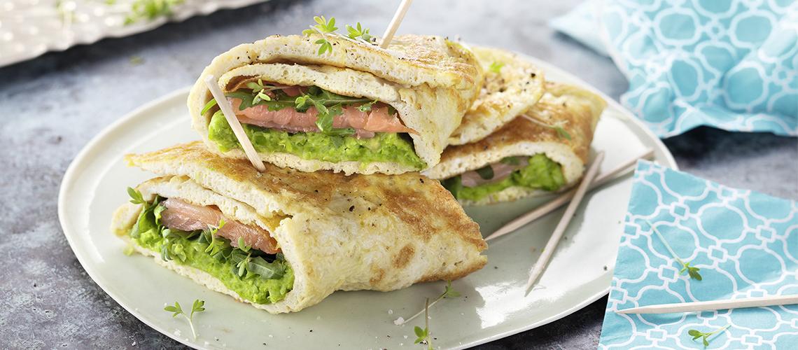 Omelett-Wraps mit Räucherlachs