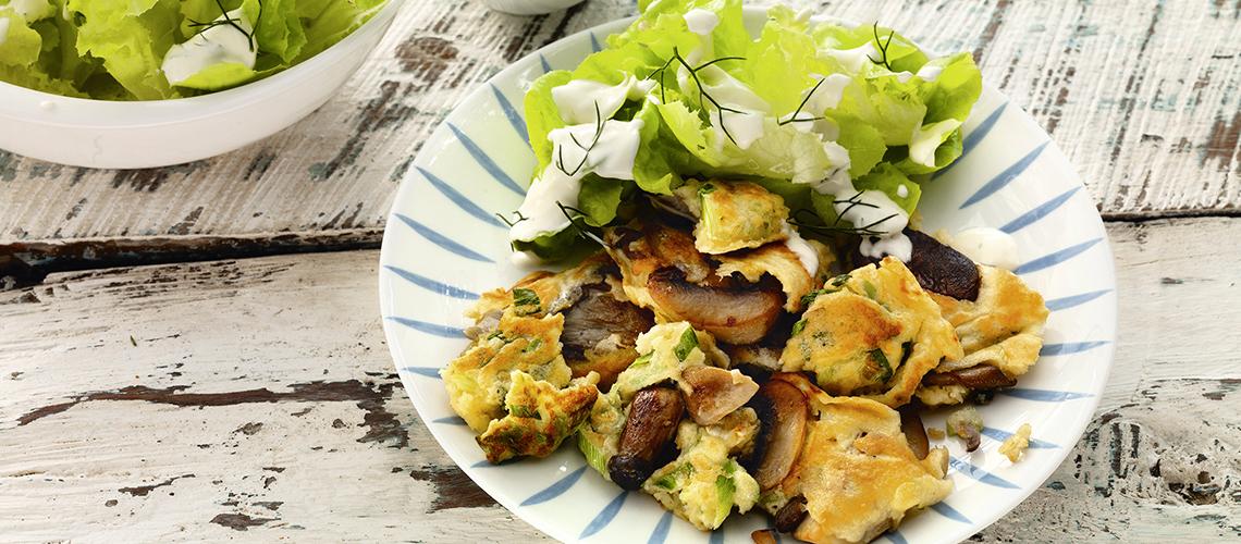 Pilz-Schmarren mit Romanasalat