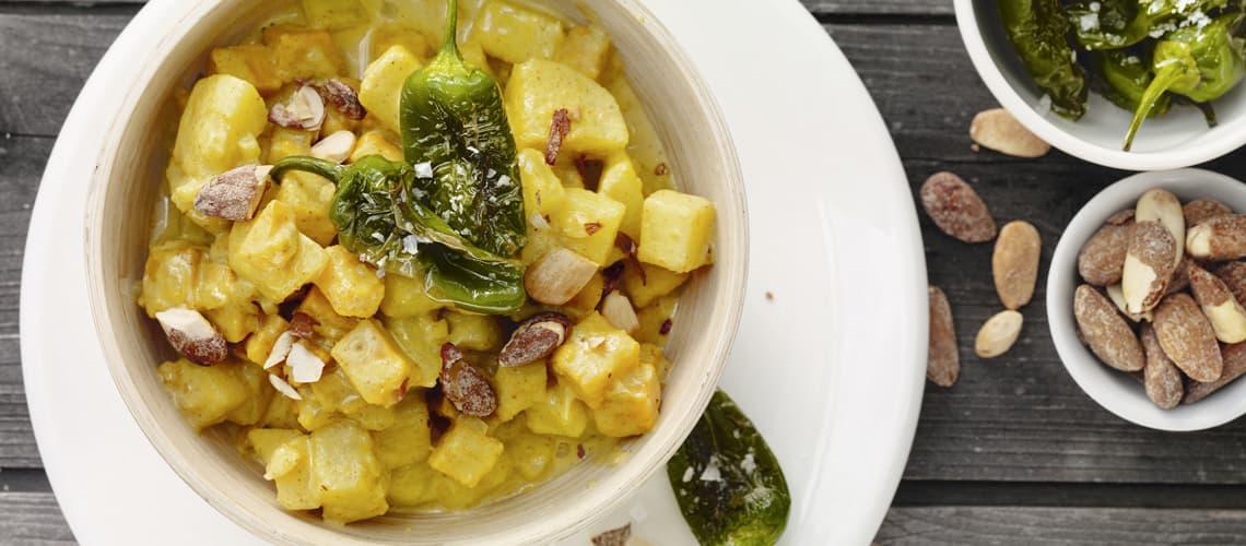 Duo-Kartoffelcurry mit Minipaprikas